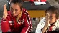 中缅边境的缅甸小学生, 骑自行车出国? 去中国读书学费还能全免?