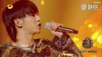华晨宇在《歌手》第二季第七期带来原创曲目《我管你》