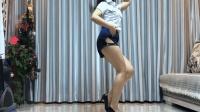 最近全网很火的魔性舞《泰国情歌》大粗腿姑娘广场舞