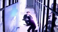实拍男子离职后报复经理反遭群殴追打