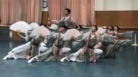 北京舞蹈学院古典舞《纸扇书生》刷爆了微博, 跳舞小哥哥都成网红