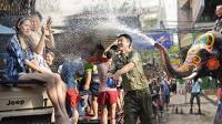 第一百三十九集 泼水节湿身美女嗨翻天 老挝