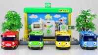 巴士汽车玩具开车加油