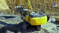就干这点活, 挖掘机带这么多挖斗 这司机是有强迫症吗?