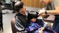 八卦:陈若仪带双胞胎儿子理发 还不忘帮林志颖宣传节目