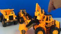 强大的挖掘机和卡车玩具