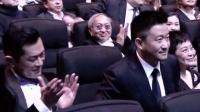 恭喜吳京导演凭借《战狼2》56.8亿元的票房纪录, 斩获第12届亚洲电影大奖!
