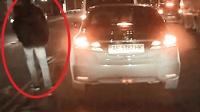 小伙无脑横穿马路, 行车记录仪拍下刺激一幕