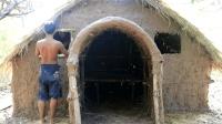 户外生存搭建茅草屋庇护所, 只需要用竹子茅草和黄泥巴就行了