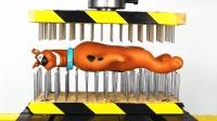 史酷比放到双面钉子的液压机下, 你猜它能撑几秒? 太可怜了