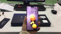 vivo X21白色版上手视频, 小刘海吊打iPhoneX!