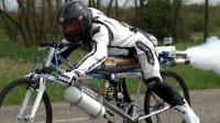 世界上最快的自行车, 时速333公里, 网友: 会上天吗?