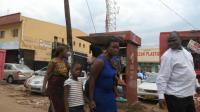 非洲的汽车站, 都有什么卖, 租金也要1000多美金