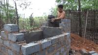 """生存哥徒手建造的""""砖混""""滤水器基本完工了, 现在就差最后一步了"""