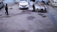 国内近期车祸合集 第二百六十九期 (三轮车: 溜了溜了~~~ 老大爷: ? ? ? )