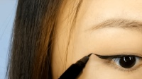 微林美睫: 第2期画眼线化妆视频教程: 柔和上扬、拉长眼尾_眼线笔, 眼线膏和眼线液的使用
