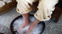 洗脚加上它, 可治痛风和高血压, 3天身体有神奇变化, 不知道可惜