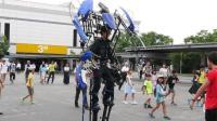 日本奇葩机械外骨骼全靠人力驱动, 网友: 战斗力为零!