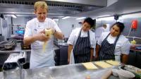 极品教程: 米其林三星主厨戈登·拉姆齐教你如何用野生蘑菇制作制作新鲜意大利面