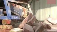 农民工研制的废砖清洗机, 旧砖头5秒钟变新砖, 成功申请专利