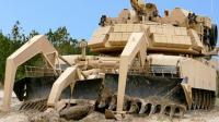 美国用坦克改装成的推土机, 专门用来挖战壕, 太强悍了