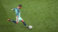 C罗: 踢球就是要浪一点儿 主教练: 这个距离的世界波确实够浪!