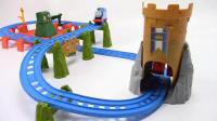 小火车城堡大冒险 托马斯轨道玩具