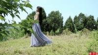 心灵手巧的李子柒自己做裙子, 长裙飘飘美极了!
