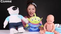 小伶玩具凯利照顾他的小宝宝搞笑视频凯利和玩具朋友们