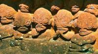 南太平洋一个小岛上发现怪异的雕像,酷似外星人