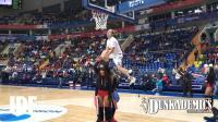 身高178的暴力扣篮选手Yuriy Smelcov