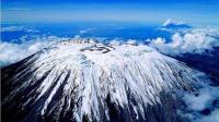 """真实存在的""""赤道雪山"""": 海拔5895米, 真正冰火相融的世界!"""