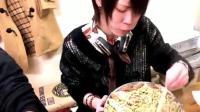 吃播大胃王 日本耳机小哥Draco吃超大份猪肉拉面