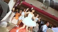 别人家的妻子会跳舞, 在婚礼现场性感起舞的新娘子
