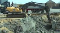 沃尔沃360, 挖掘机最憋屈的装车方式, 挖的深, 举的还高