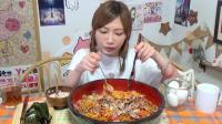 木下大胃王: 超辣的十人份培根火鸡面体验