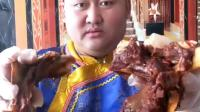 大毛小吃货: 草原上的大哥爱吃肉, 这个吃法真是看着太得劲了!