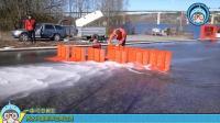 几块塑料板组合在一起就能阻挡半米高的洪水, 原理其实很简单