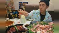 韩国大胃王小哥吃中国式烤肉, 说中国美食简直美味一次吃一大锅!