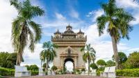 法国殖民时留下的老挝万象凯旋门, 如今成为热门景点