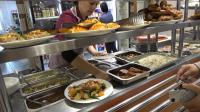 在俄罗斯自驾游时走进一家服务区餐厅, 环境干净整洁, 食物价格低