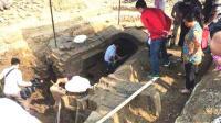 考古队挖到春秋时期古墓, 进去后看的屏住了呼吸