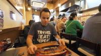吃货老外在日本, 吃烤鳗鱼饭, 看上去真好吃, 2000日元一份真不贵