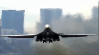 美国空军B-1蓝瑟轰炸机