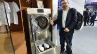 洗鞋机: 懒人必备的神器, 网友却想要个自动洗澡机!