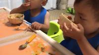 宝宝不爱吃饭怎么办? 请看看日本妈妈如何培养孩子自己动手吃饭!
