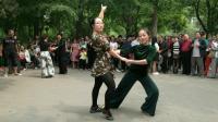 第14集 文静老师和风中烟火老师在陶然亭晨晨吉特巴场地精彩表演