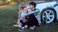 吴亦凡新歌《Like That》正式上线, 和暮光女的女友在草坪上温柔对望