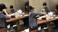 网友偶遇董洁带儿子吃晚餐, 儿子像极潘粤明