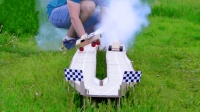用二氧化碳做动力, 牛人自制赛车太酷了, 网友: 换我都能玩一整天